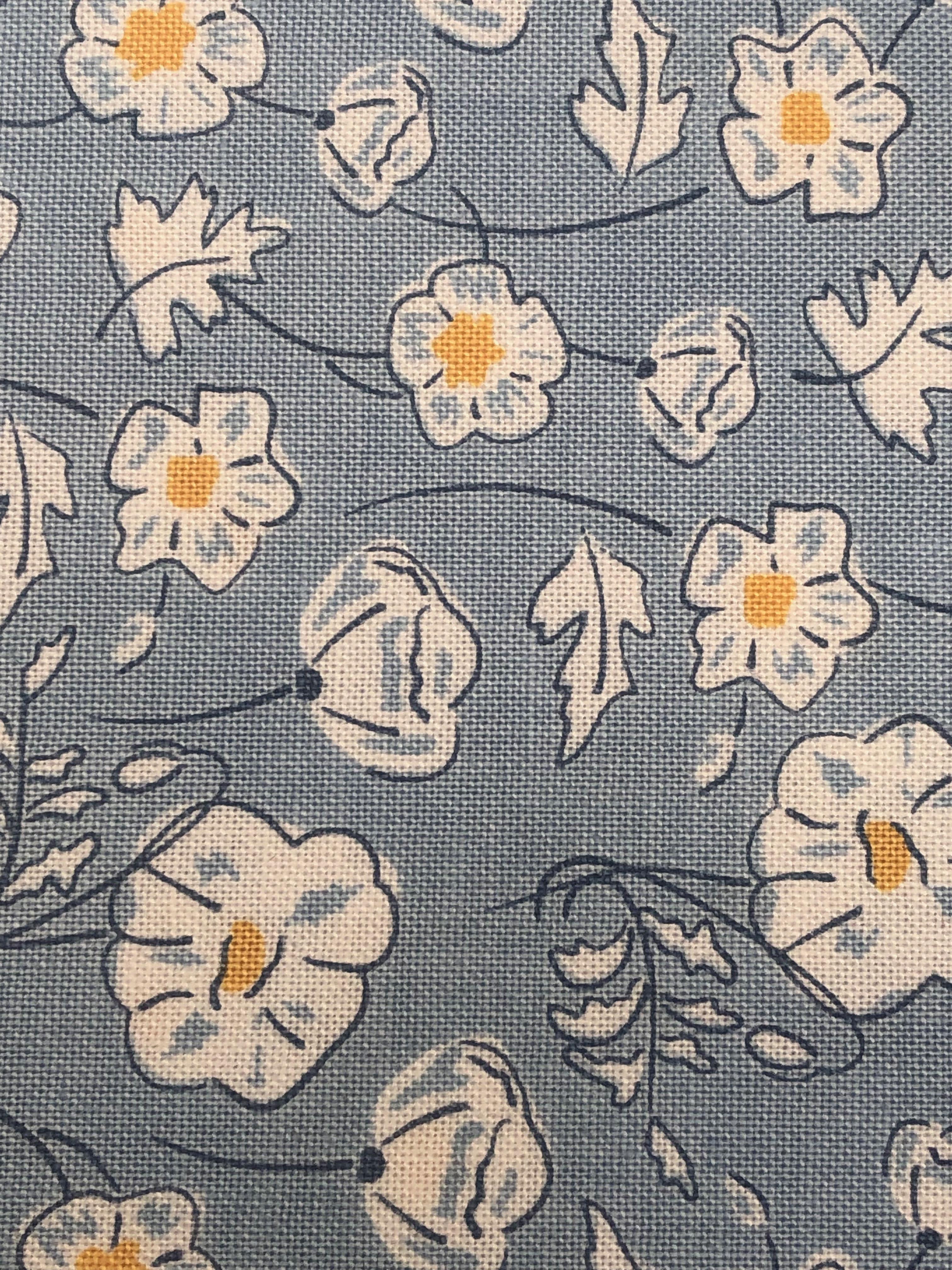 """Wide Debbie Shore Cottage Garden Lily Pad Fabric 100/% Soft Cotton 44/"""" 112cm"""