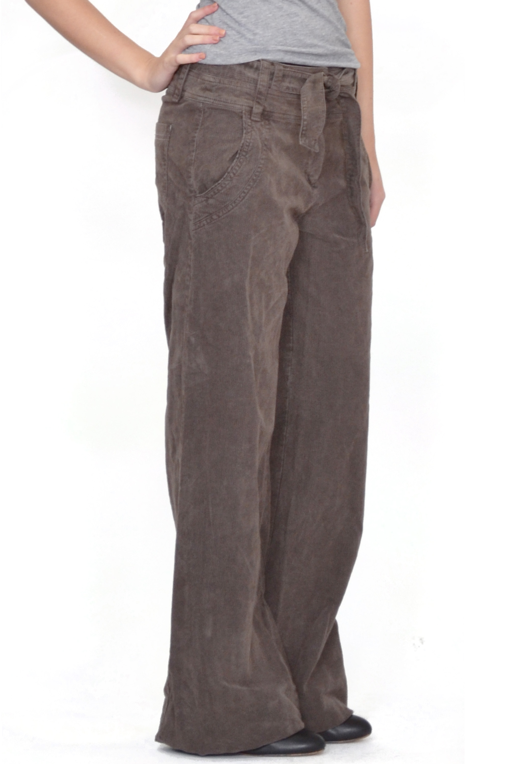 Preowned Pilcro and The Letterpress Corduroy Pants in Women's size They've been worn once so they're still in great shape. The color is a mud-grey. Thanks for looking! Please feel free to ask any additional questions about these cords.