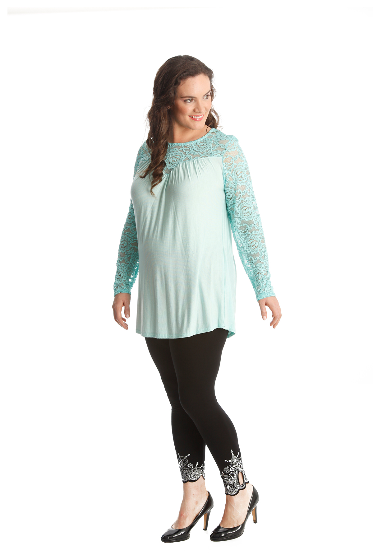 Tunics Stand out and be confident Accentuate your figure and stand out in confident style this season with our scintillating collection of plus size tunic tops for women.