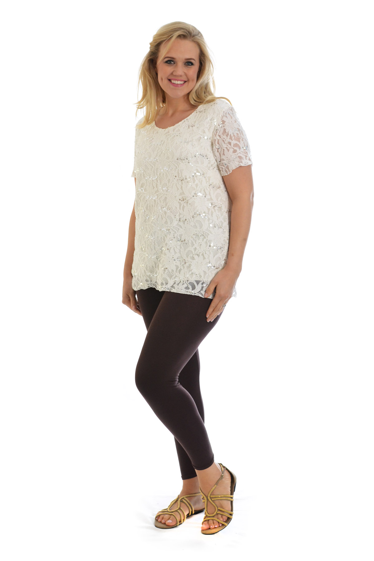 From cozy plus size cardigans and comfy plus size sweaters to top rated plus size graphic tees and plus size pretty peasant tops, our tops come in a variety of colors, styles, sizes à perfect for outfitting casual weekends, morning work meetings and everything in between.