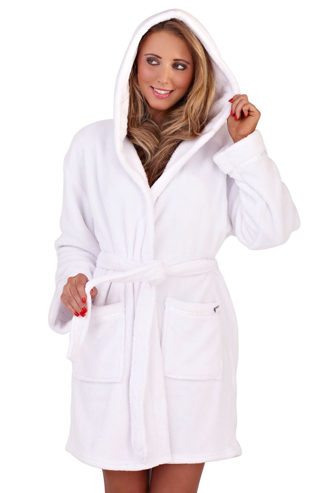 The one star was because my lavender robe appears as if it where a white robe with a tiny ting of lavender. I was expecting to receive something similar to the picture. Overall, I am satisfied because it is super soft and keeps me warm.