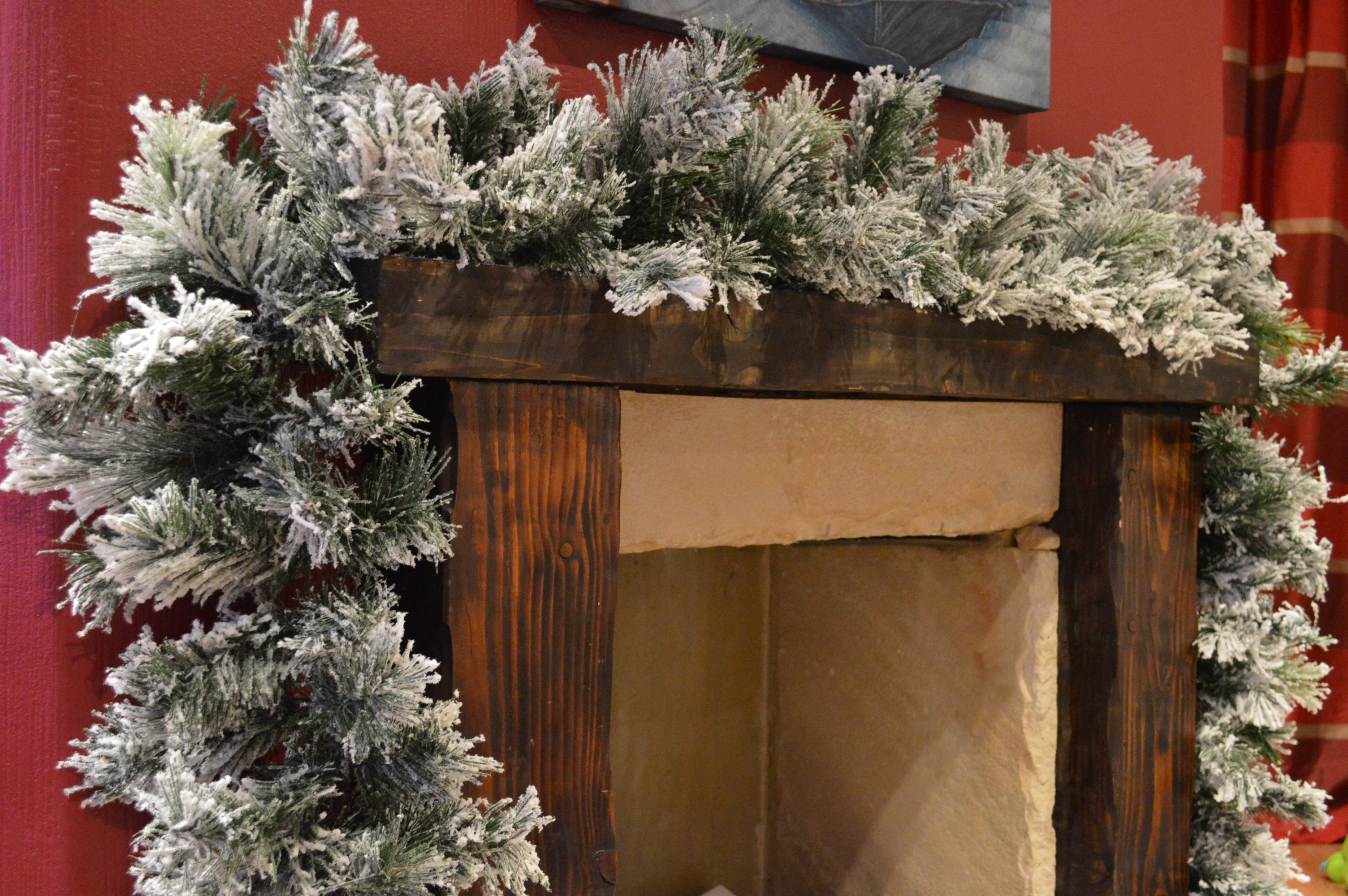 Super Thick Deluxe 270Cm (9Ft) Snowy Flocked Vancouver Pine Christmas