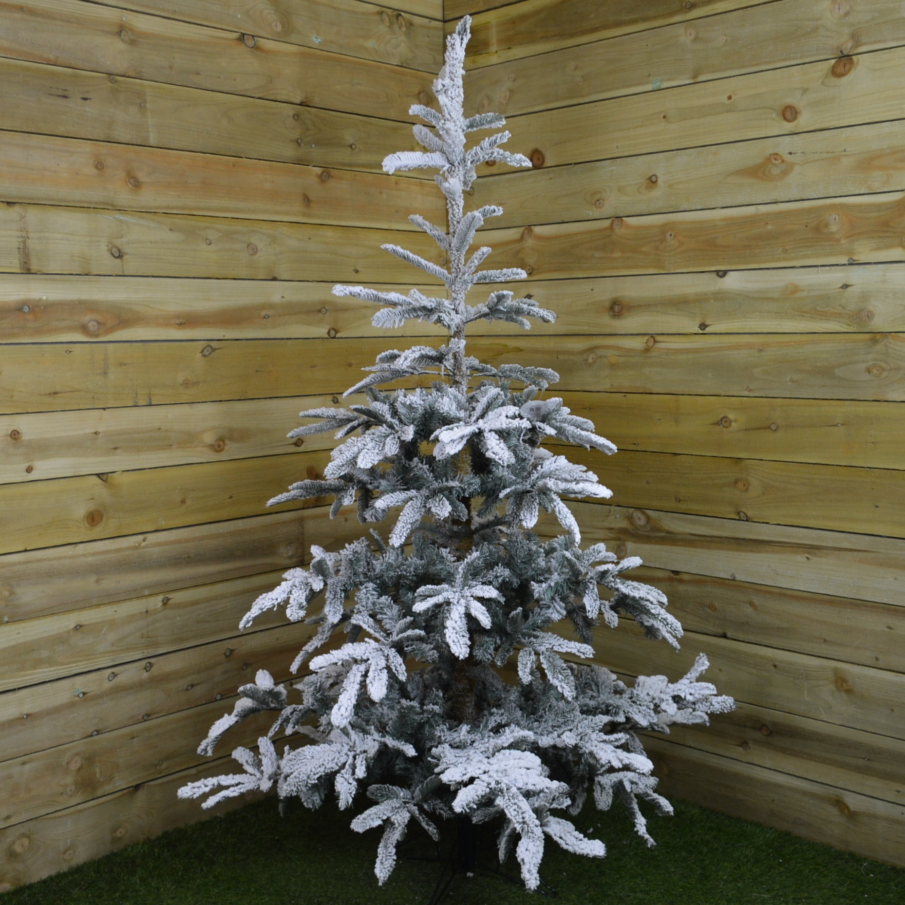 7Ft (210Cm) Natural Look Snow Flocked Snowy Spruce Christmas Tree