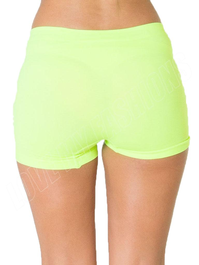 Plus Size Shorts for Women Build an everyday look you're sure to love with Plus Size Shorts from Kohl's! No matter what your favorite style is, our wide variety of Plus Size Shorts for Women provides a look you're sure to love, and is sure to keep your look on trend.