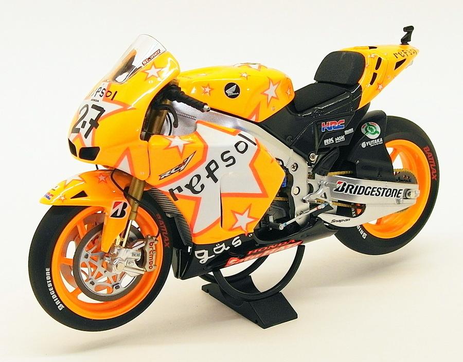 MINICHAMPS 122 111127 HONDA RC212V motor bike Casey Stoner MotoGP 2011 1:12th