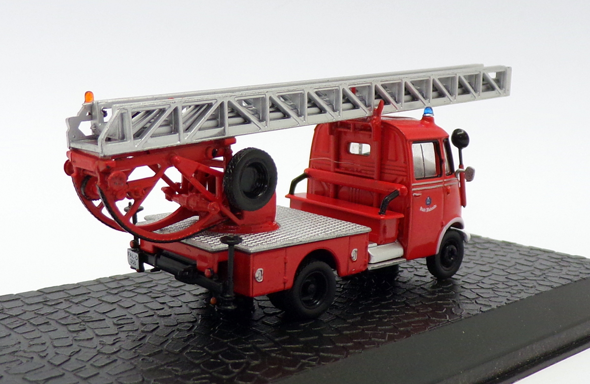 A to Z 07093 Friction Fire Engine
