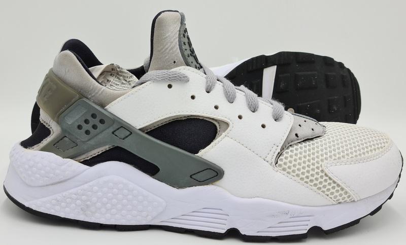Nike Air Huarache Trainers White/Black